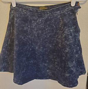 Denim wash skirt